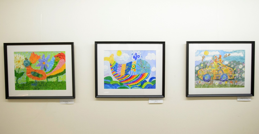 Всего навыставку прислали около 100 картин, изкоторых организаторы отобрали 69, исполненных вразных техниках ижанрах
